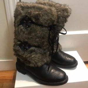 boots with faux fur